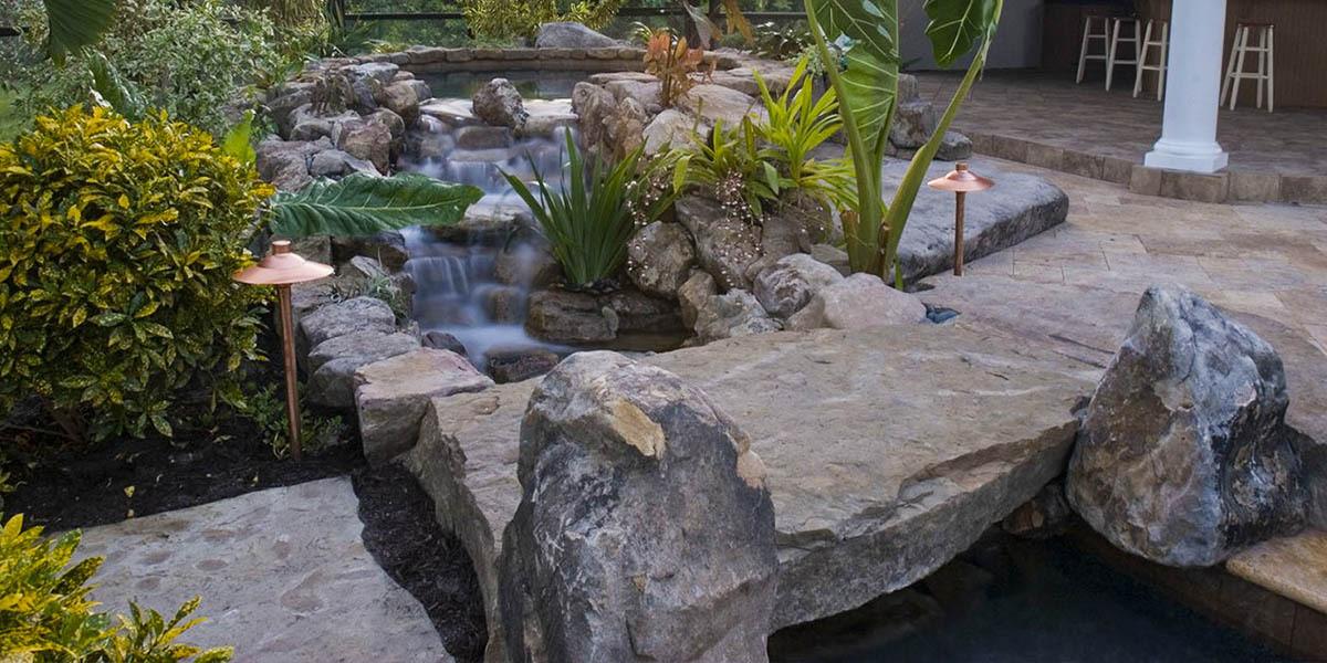 pool-design-with-bridge-features-8