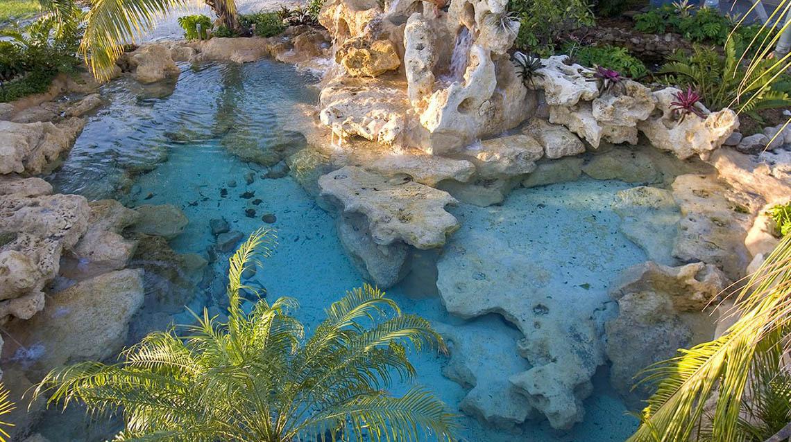 Caribbean-Pool